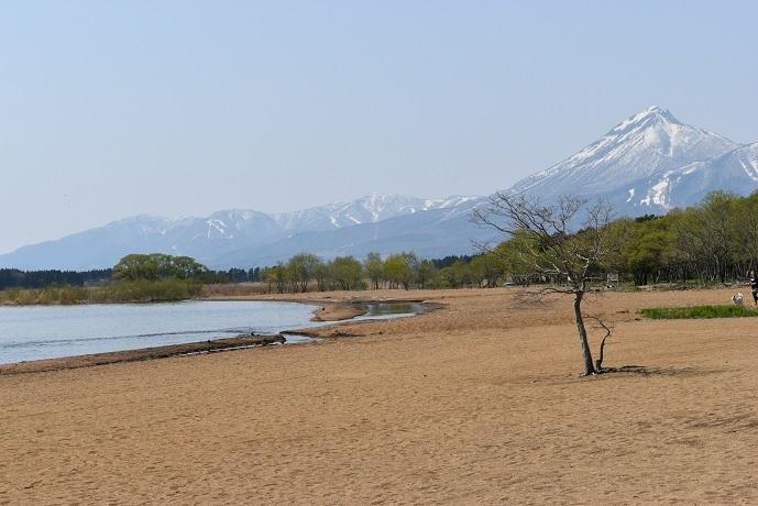猪苗代湖と磐梯山.jpg